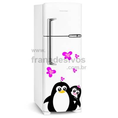 Adesivo de Geladeira Casal de Pinguins com Borboletas