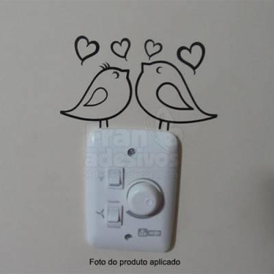 Adesivo de parede - Interruptor - Casal de Passarinhos Apaixonados