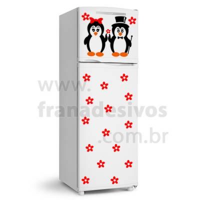 Adesivo de Geladeira Casal de pinguim com cartola e Flores