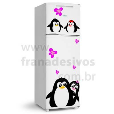 Adesivo de Geladeira Casal de Pinguins e filhotes