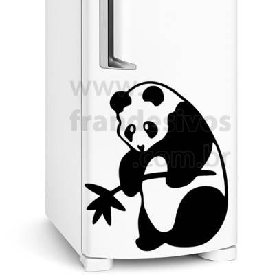 Adesivo de Geladeira Urso Panda com Bambu