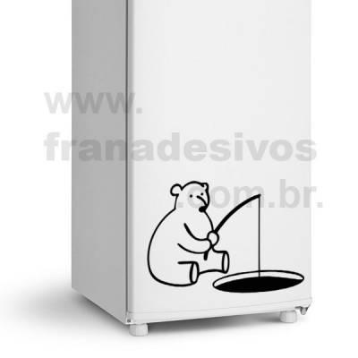 Adesivo de Geladeira Urso / Ursinho Pescando