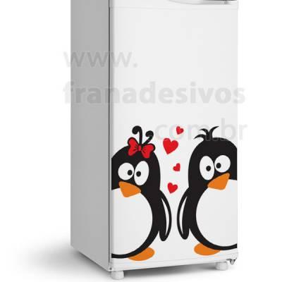 Adesivo de Geladeira Casal de pinguins romantico