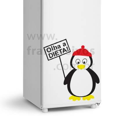 Adesivo de Geladeira Pinguim com placa olha a dieta