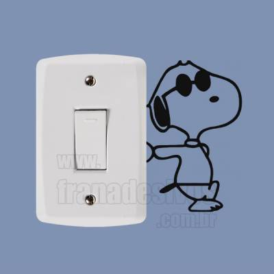 Adesivo de parede - Interruptor - Cachorro Snoopy