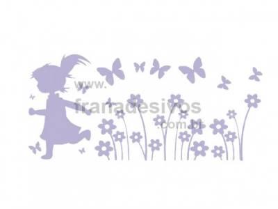 Cartela - Menina correndo nas flores com borboletas